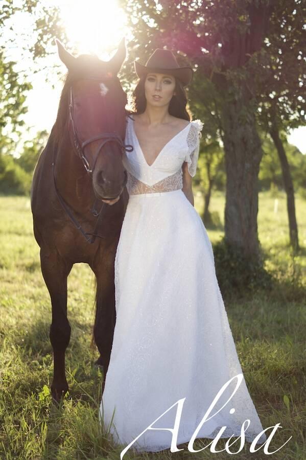 6adafba767 Karen - suknia ślubna - Alisa - suknie ślubne